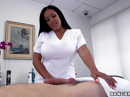 Latina masseuse pleases defy with less than just perishable touches