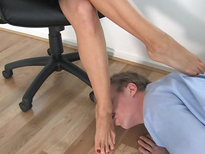 Slutty scenes of foot fetish at work with the obedient boss