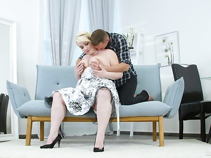 Big ass mature lady tries sex with a much younger man