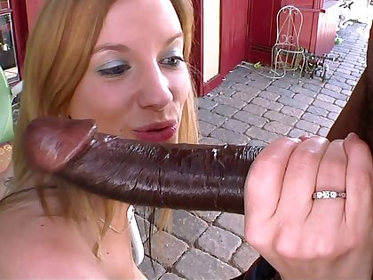 Young blondie meets a difficulty Beast be advisable for Cock