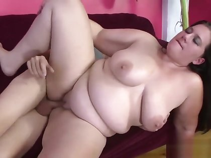 Becki Butterfly Gets Belly Button Fucked