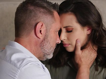 Sexy romantic babe Casey Calvert takes Hawkshaw into her slutty indiscretion