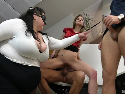 BBW shares slay rub elbows with dicks with slay rub elbows with skinny whore in office orgy