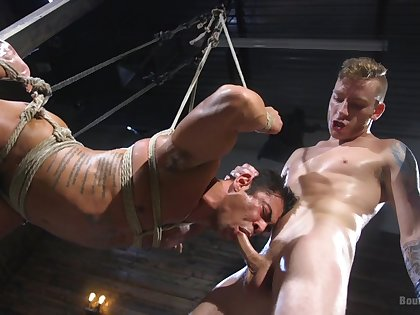 Twinks thus ropes and evil-doing to provide bonzer BDSM distraction