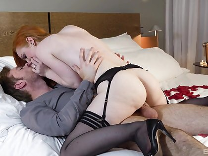 Energized redhead works fine with this heavy tool