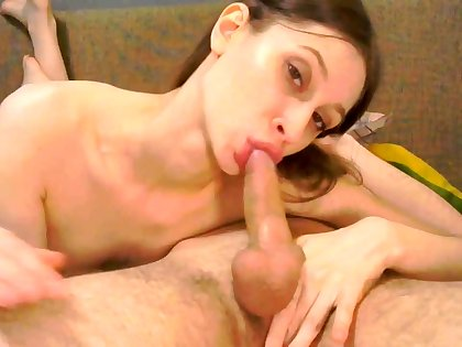 Amateur handjob and cumshot