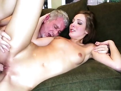 Braces facial daddy increased by mom fucks mendicant in front of pal'