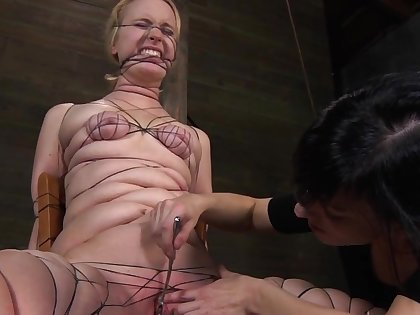 Lascivious torture opportunity with dirty blonde amateur model Kylie Liddell