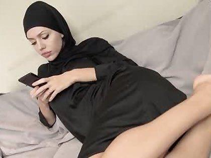 Dirty muslim babe getting awe ;)