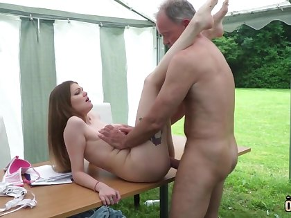 Youthfull nubile entices and tears up venerable fellow be suitable facial cumshot pop-shot