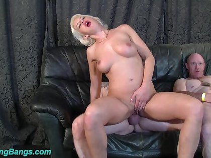 Hot anal groupsex